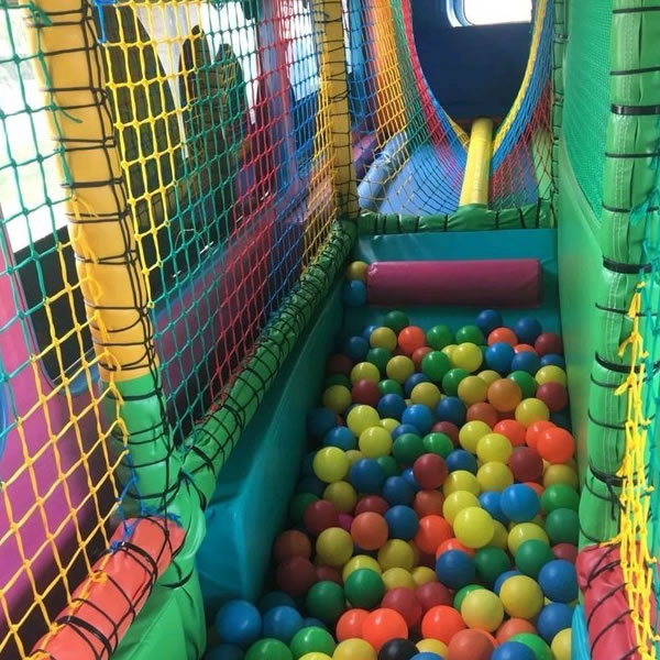 SOFT PLAY PARTY BUS
